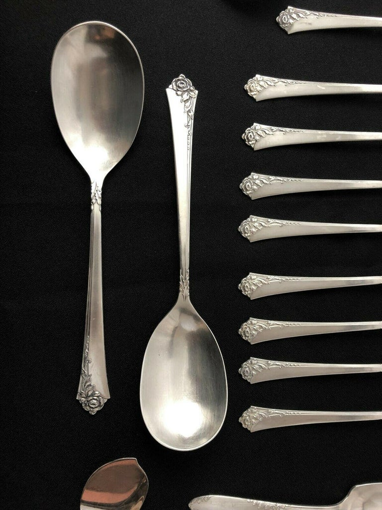Oneida Heirloom Silver Sterling Silver Flatware Service for Eight, Damask Rose For Sale 1