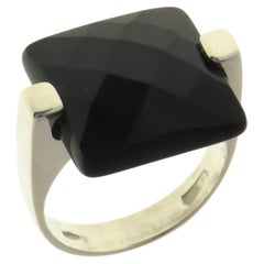 Onyx 9 Karat White Gold Ring Handcrafted in Italy