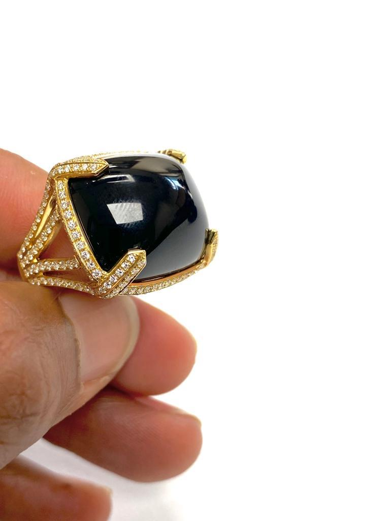 Women's Goshwara Onyx Cabochon And Diamond Ring For Sale