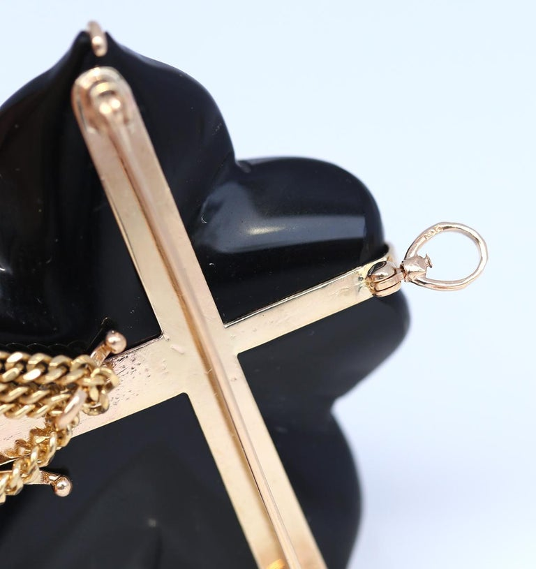 Women's or Men's Onyx Flower Mother of Pearl Detachable Pendant Brooch 14 Karat Gold, 1930 For Sale