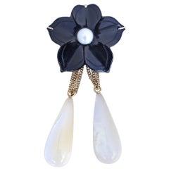 Onyx Flower Mother of Pearl Detachable Pendant Brooch 14 Karat Gold, 1930