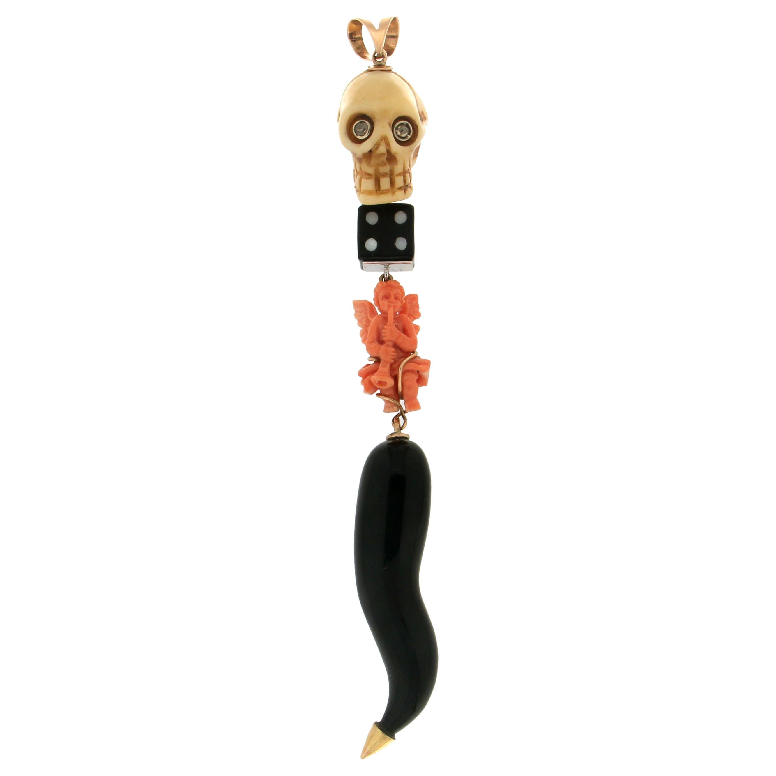 Onyx Horn 14 Karat Yellow Gold Pendant Necklace