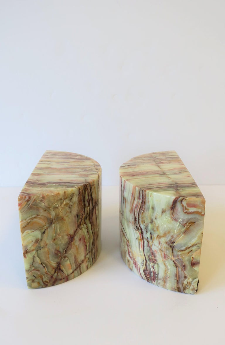 Onyx Marble Bookends In Excellent Condition For Sale In New York, NY