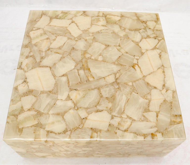 American Onyx and Resin Square Cube Shape Mid-Century Modern Coffee Table For Sale