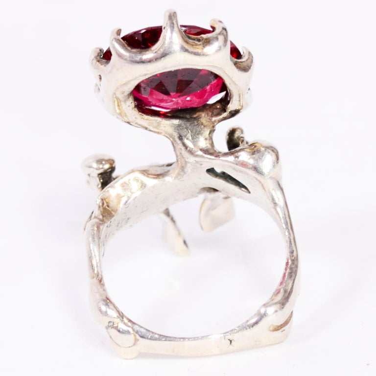 OOAK 1970s Lee Peck Brutalist Sterling Silver Ring With Faceted Red Stone In Excellent Condition For Sale In Portland, OR