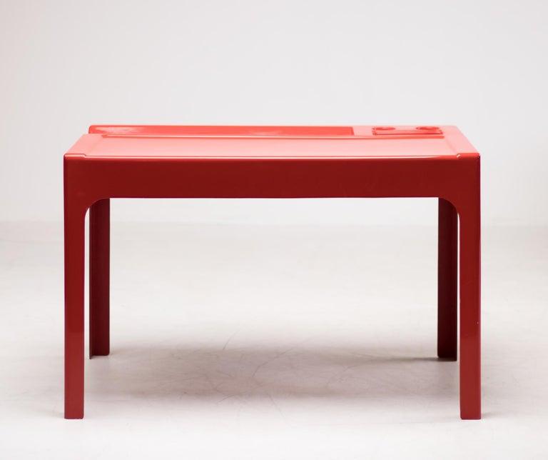 Oozo Desk by Marc Berthier 1