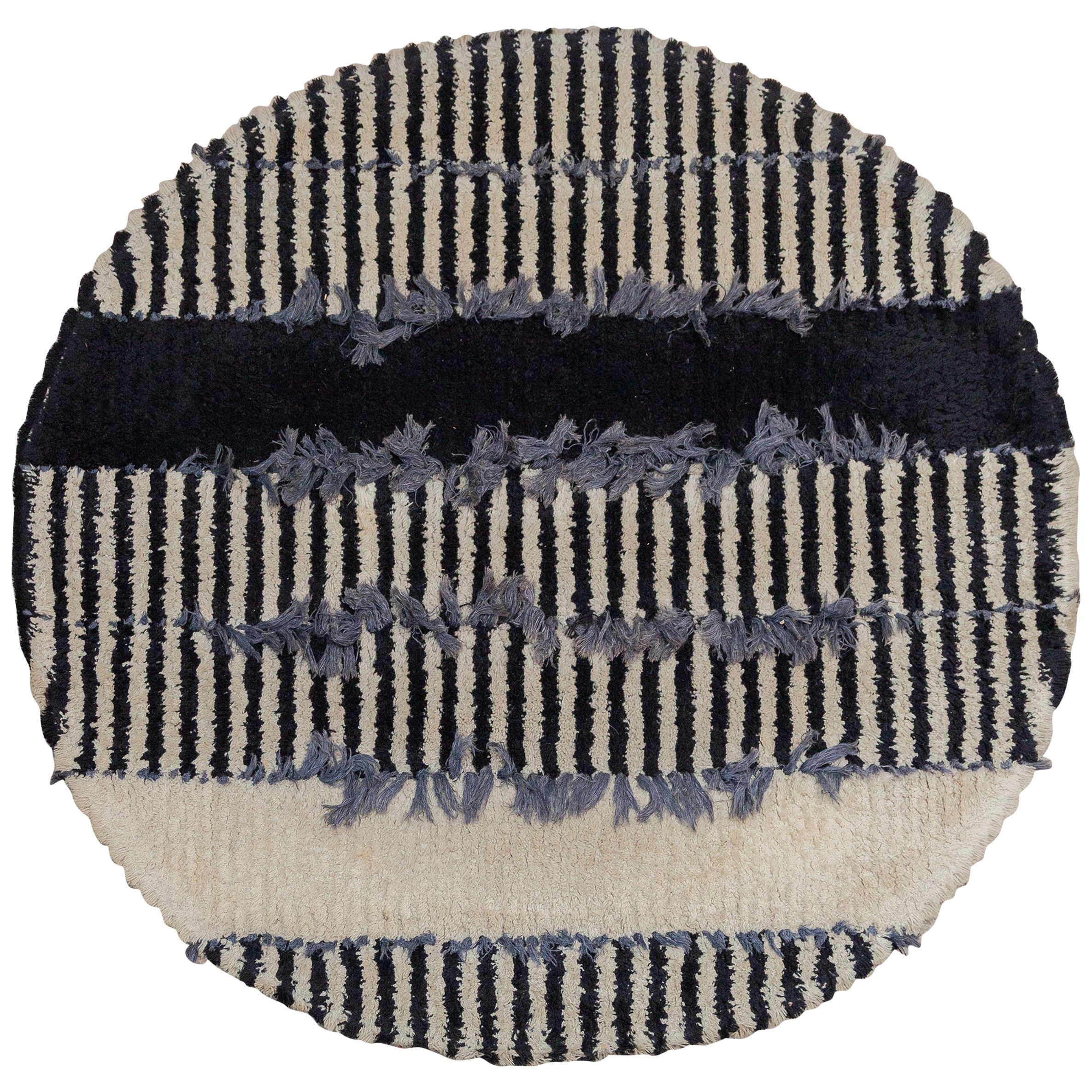 Op-Art Round Rya Black and White Rug Wall Hanging Carpet, 1960s, Sweden