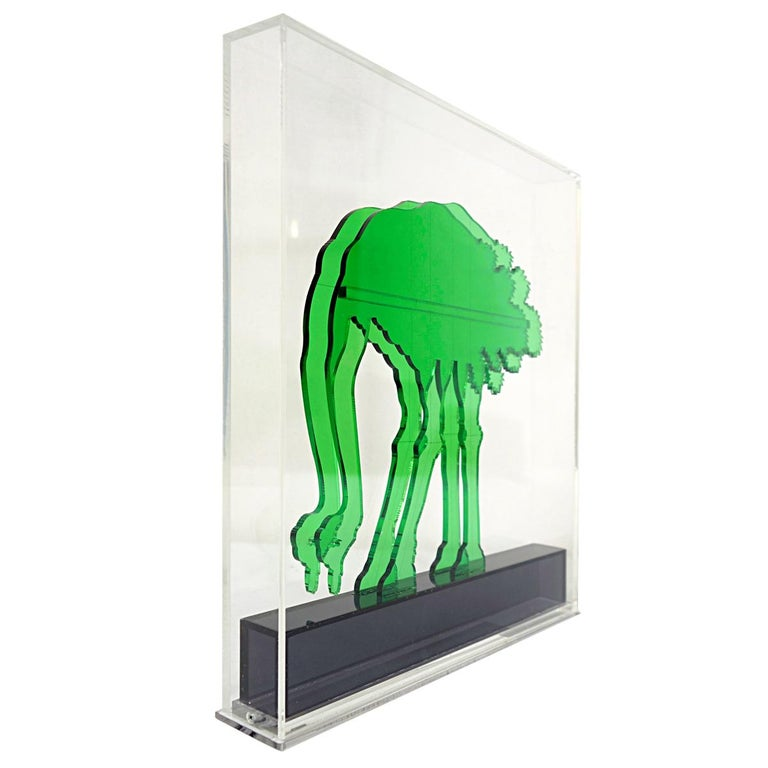 This slightly psychedelic green ostrich was made of topnotch quality plexiglass and sits in a colorless plexiglass casing. By figuring the ostrich twice - the first right before the other - a spectacular effect has been realized. They seem to be of