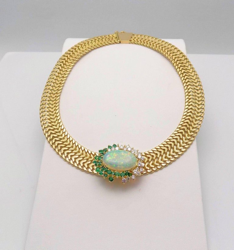 Opal and Diamond Necklace In Excellent Condition For Sale In Dallas, TX