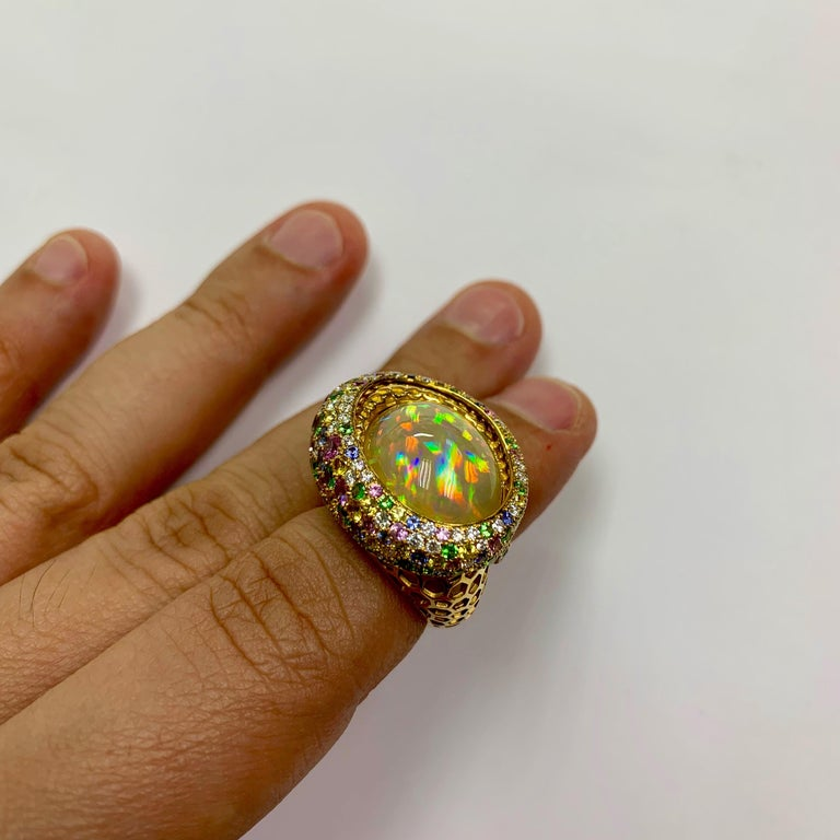 Opal 9.14 Carat Diamonds Sapphire 18 Karat Yellow Gold Honeycombs Ring For Sale 4