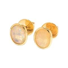 Opal Earring in 18 Karat Yellow Gold