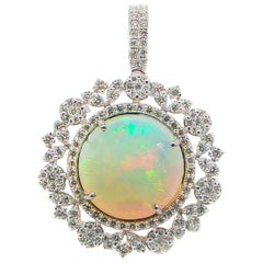 Opal Pendant 12 Carat with Diamonds 1.85 Carat F-G/VS 18 Karat Gold