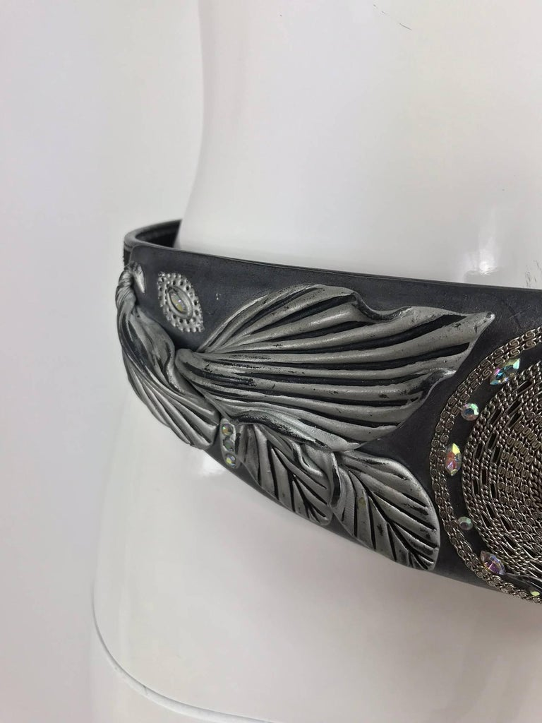 Opalescent jewel stone carved leather belt, 1980s In Excellent Condition For Sale In West Palm Beach, FL