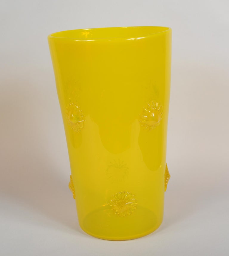 Opalescent Yellow Empoli Italian Vase with Applied Starbursts In Good Condition For Sale In San Mateo, CA