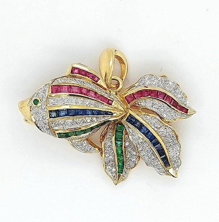 Open Mouth Fish Brooch / Pendant Set with Diamonds, Ruby, Sapphire, Emerald In Excellent Condition For Sale In Antwerp, BE