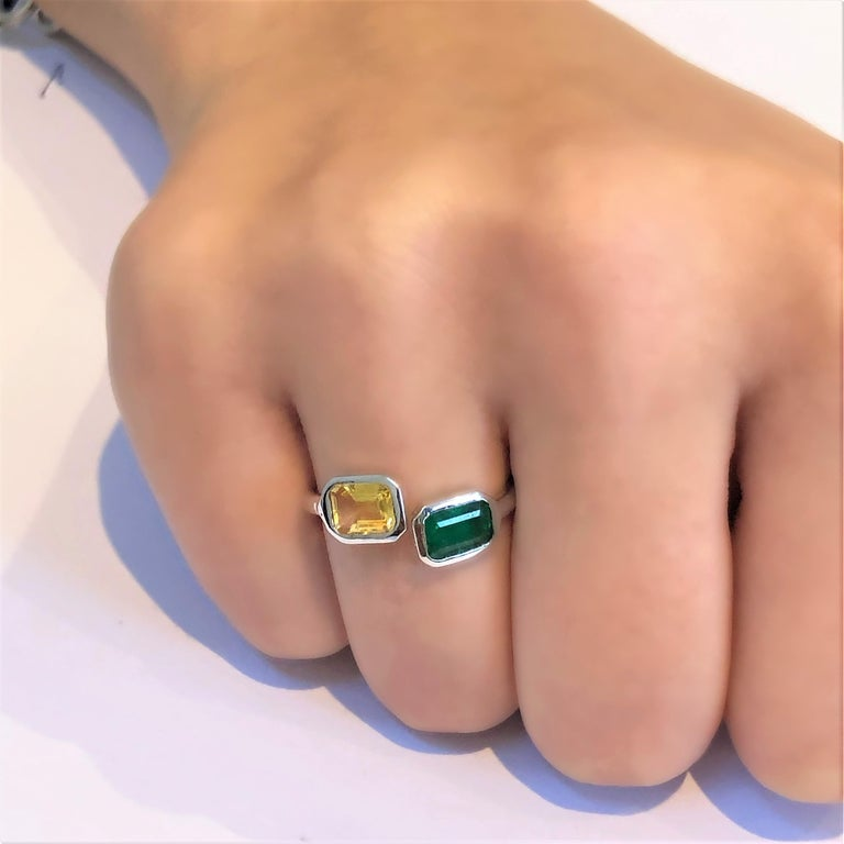 Open Shank Gold Cocktail Ring with Emerald and Yellow Sapphire Bezel Set For Sale 8