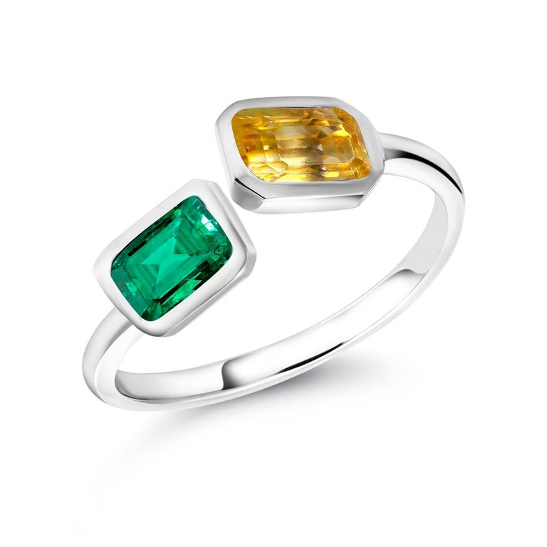 Open Shank Gold Cocktail Ring with Emerald and Yellow Sapphire Bezel Set For Sale 1