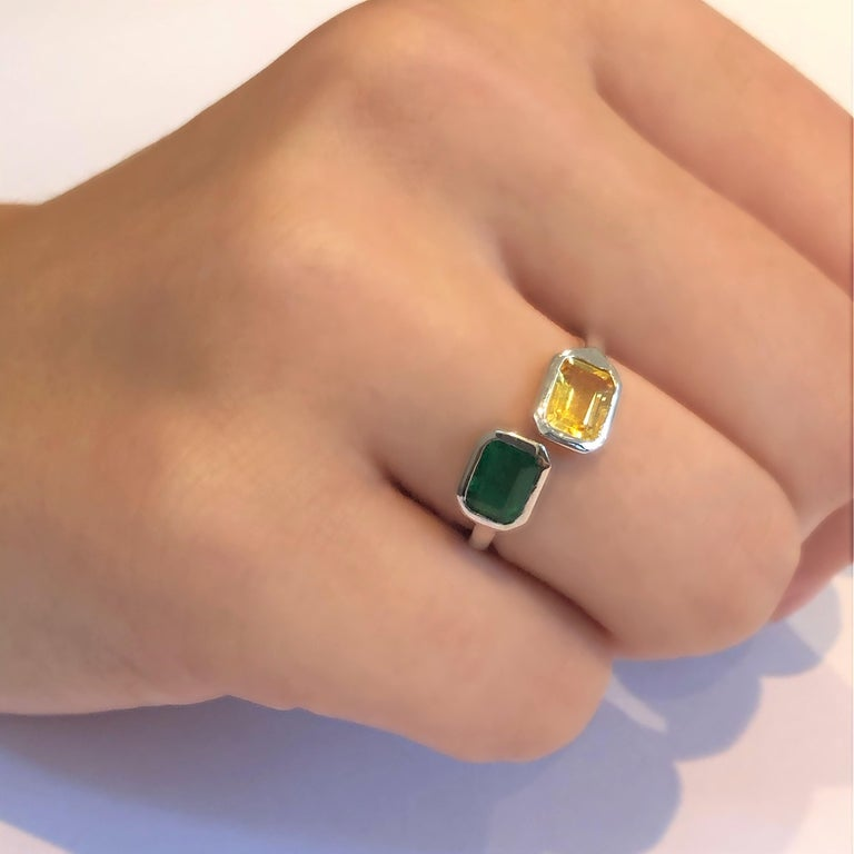 Contemporary Open Shank Gold Cocktail Ring with Emerald and Yellow Sapphire Bezel Set For Sale