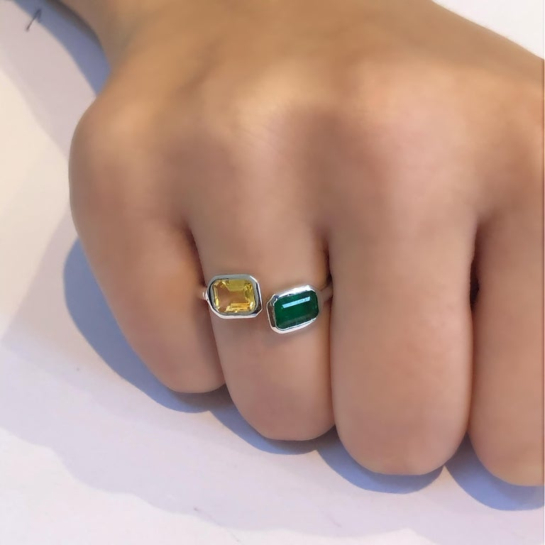 Open Shank Gold Cocktail Ring with Emerald and Yellow Sapphire Bezel Set For Sale 6
