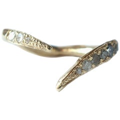 Open V-Shaped Diamond Stacking Ring in Gold