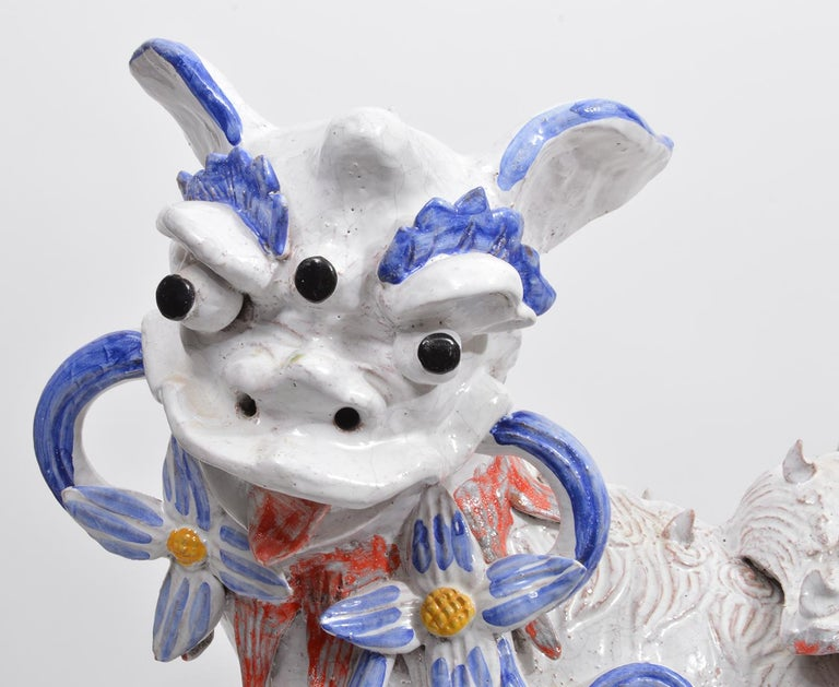 20th Century Opposing Pair of Italian Ceramic Glazed Foo Dogs on Bases Manner Ugo Zaccagnini For Sale