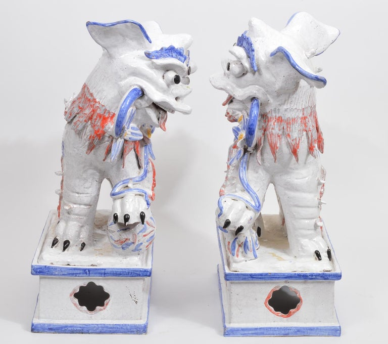 Opposing Pair of Italian Ceramic Glazed Foo Dogs on Bases Manner Ugo Zaccagnini For Sale 2
