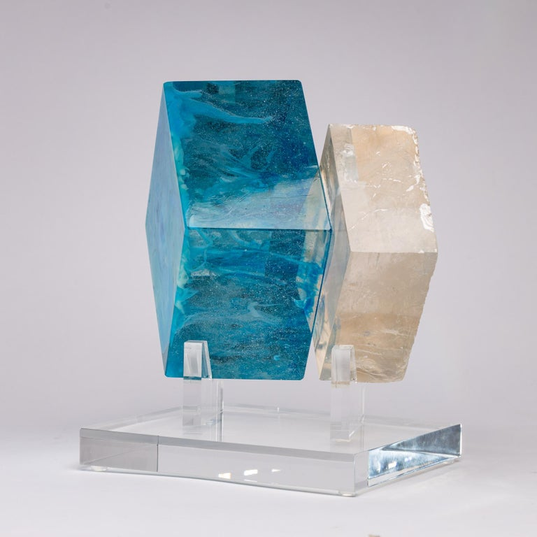 Optical Calcite and Boiled Glass Fusion Sculpture on Acrylic Base In New Condition For Sale In Polanco, CDMX