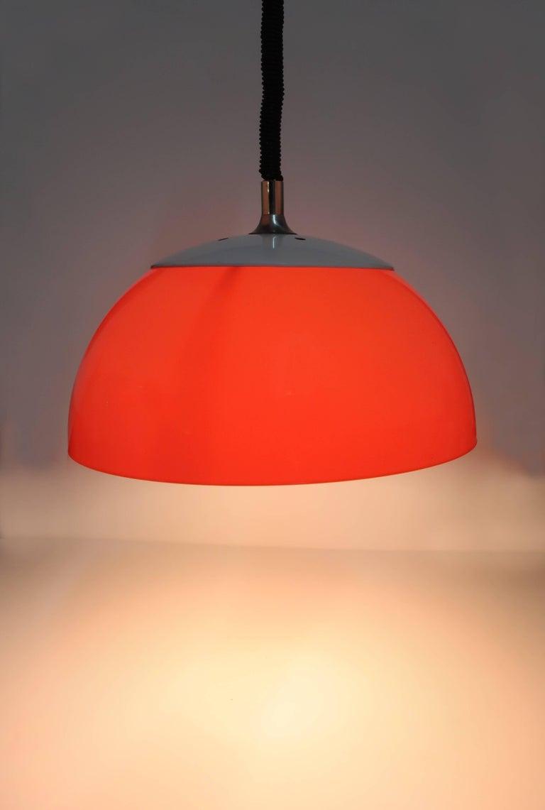 Orange Brevettato Retractable Pendant Lamp In Excellent Condition For Sale In Brooklyn, NY