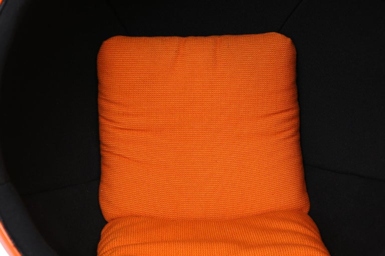 Orange Eero Aarnio Ball Chair In Good Condition In Phoenix, AZ