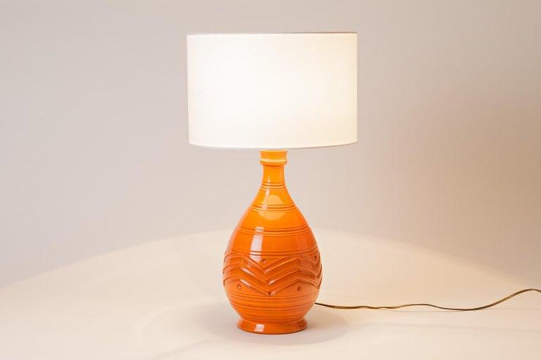 Modern Orange Midcentury Ceramic Table Lamp Shinny Color, circa 1960  For Sale