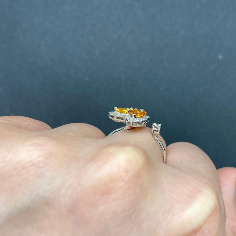 Orange Multi-Color Sapphire and Diamond Toi et Moi Clover Ring In New Condition For Sale In GREAT NECK, NY