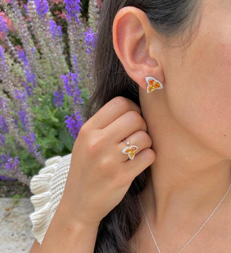 Pear Cut Orange Multi-Color Sapphire and Diamond Toi et Moi Clover Ring For Sale