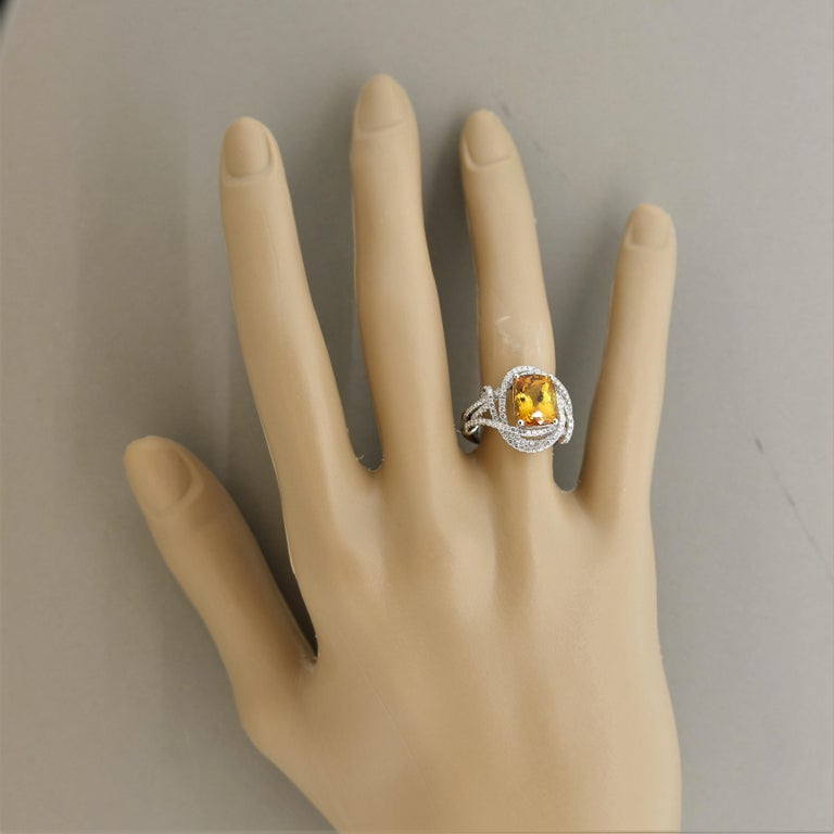 Orange Sapphire Diamond Gold Ring, GIA Certified For Sale 1