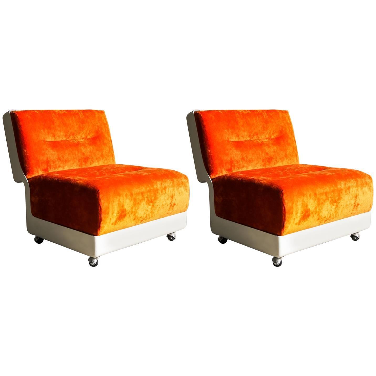 """Orange """"Superpellicano"""" Lounge Chairs by Vittorio Introini for Saporiti 1968"""