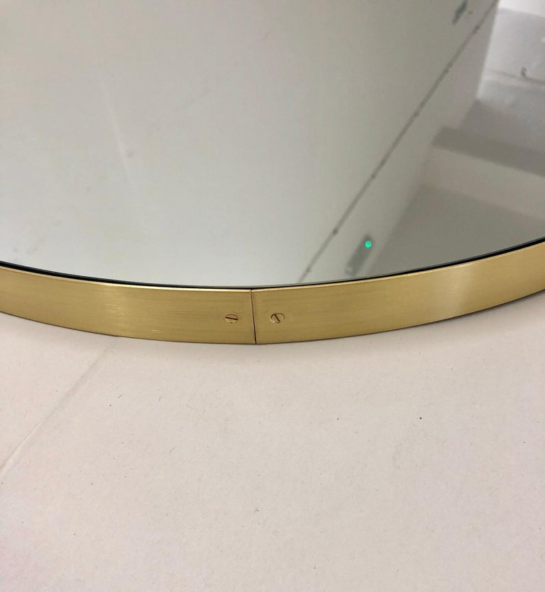 Orbis Round Double Sided Suspended Bathroom Mirror with a Brass Frame In New Condition For Sale In London, GB
