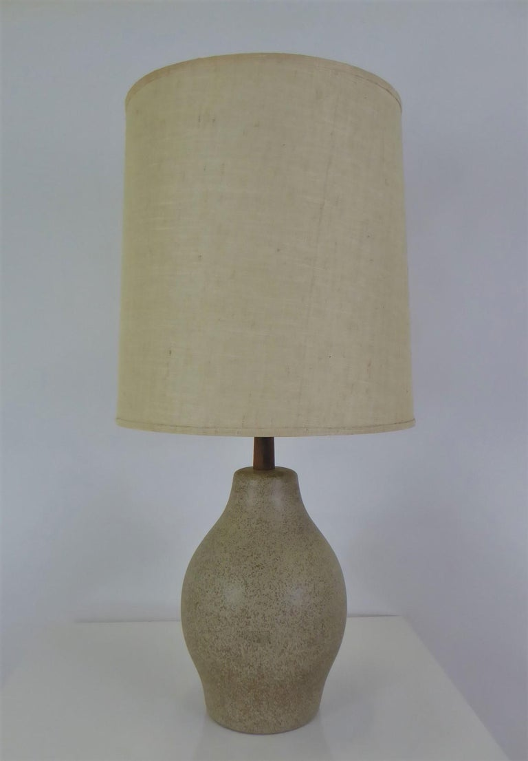 Organic Mid-Century Modern Martz Ceramic Table Lamp For Sale 4