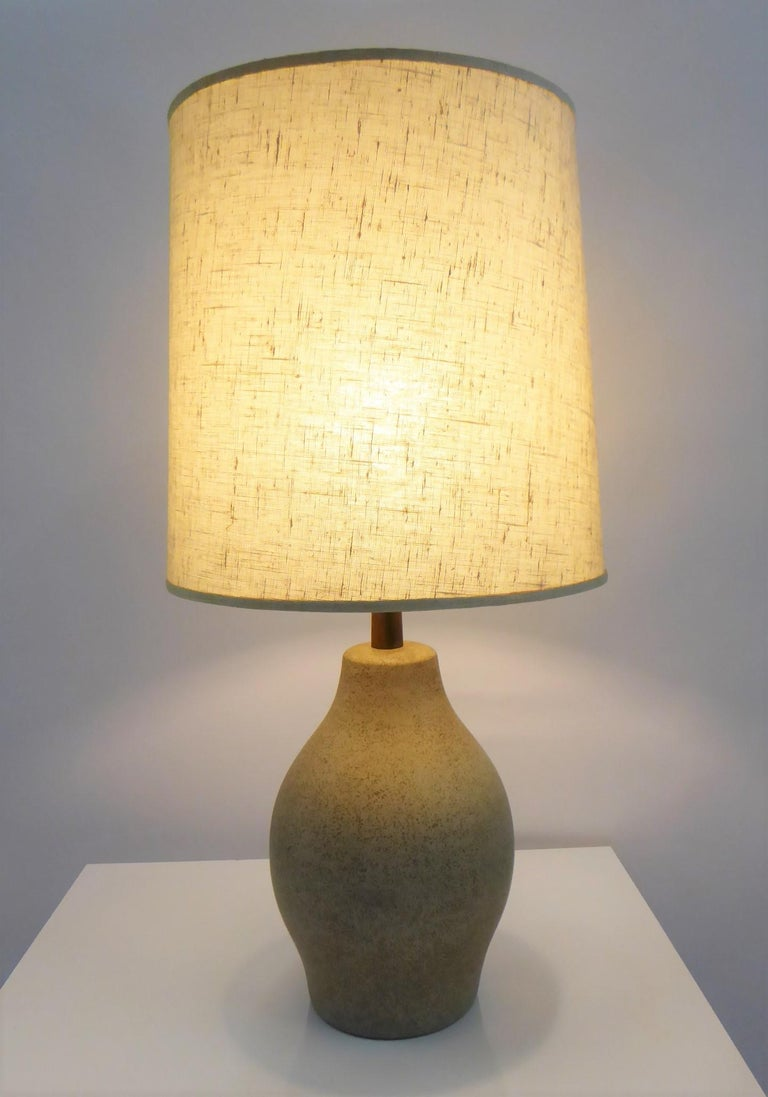 Organic Mid-Century Modern Martz Ceramic Table Lamp For Sale 3