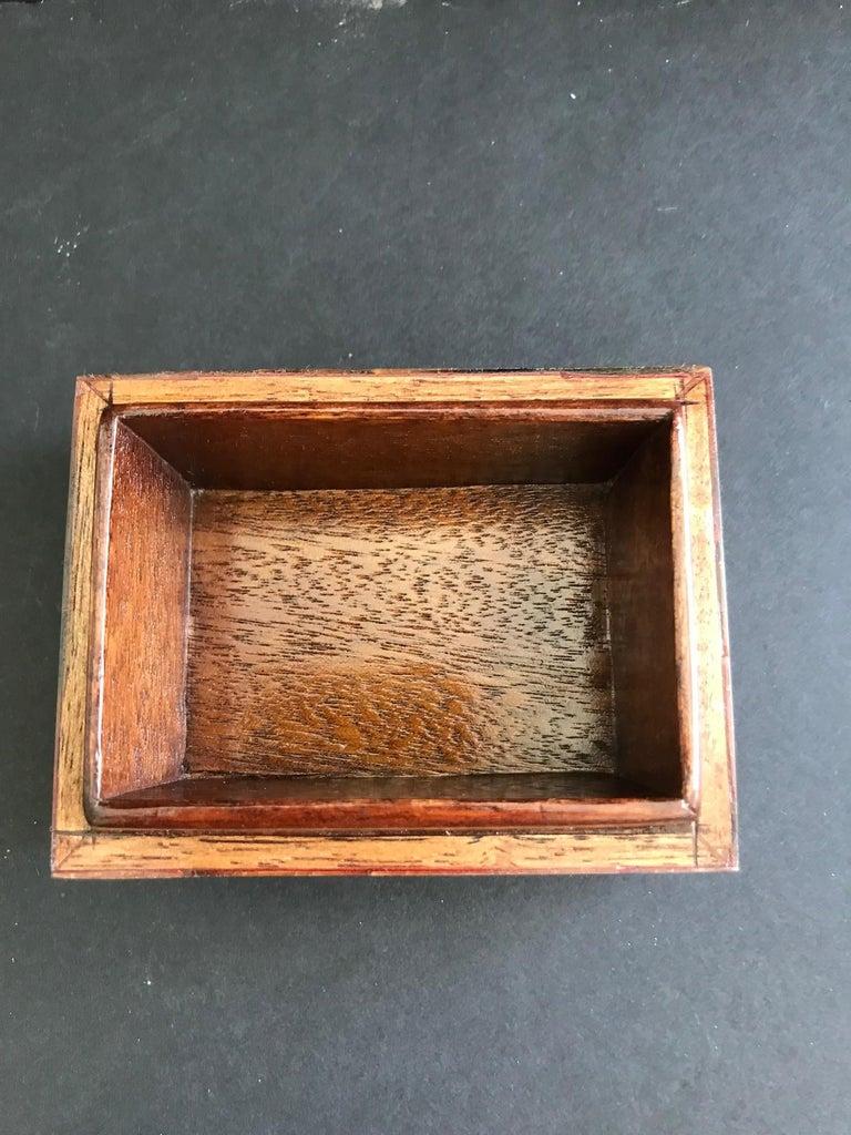 Organic Modern Box in Mosaic Pen-Shell by R&Y Augousti For Sale 4