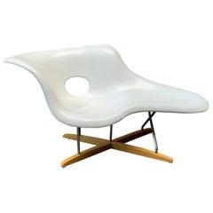 Organic Modern Eames La Chaise