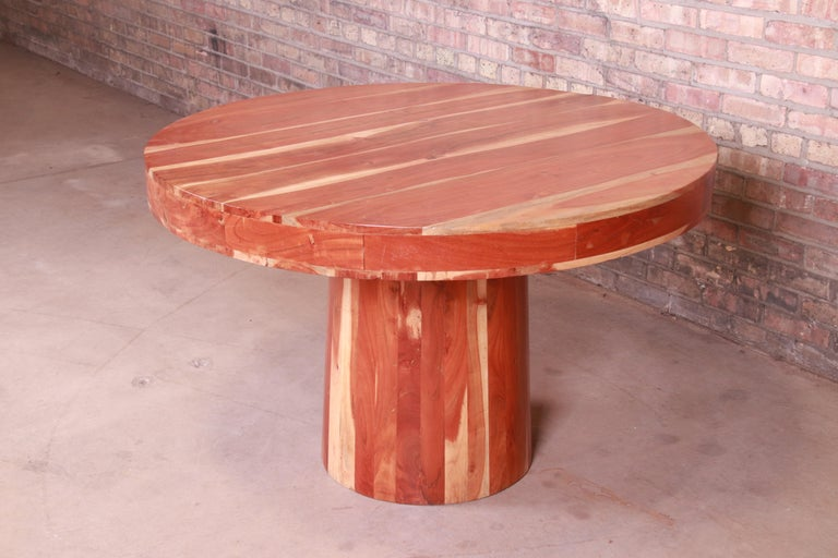 Organic Modern Natural Redwood Round Pedestal Dining Table In Good Condition For Sale In South Bend, IN