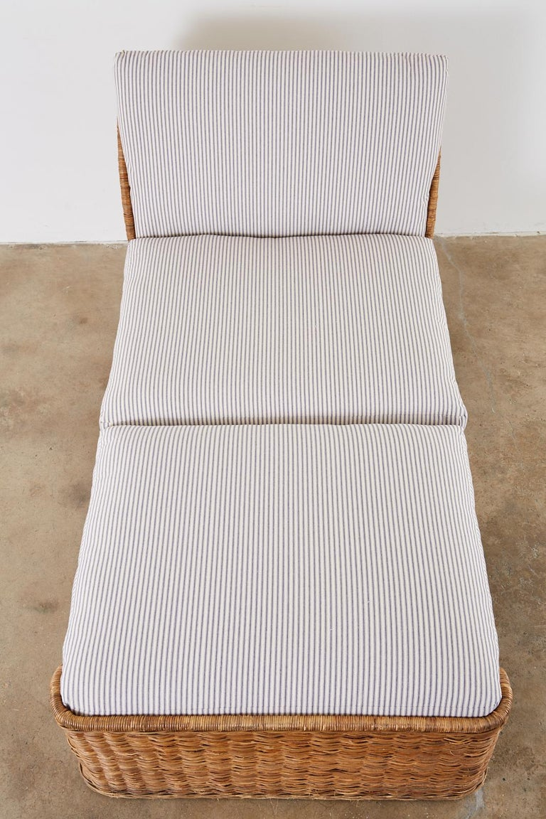 Organic Modern Style Wicker Daybed or Chaise Lounge In Good Condition In Oakland, CA