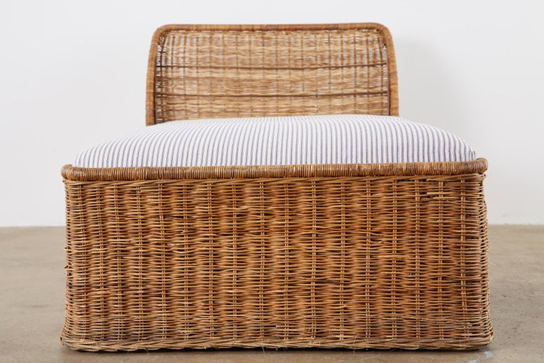 20th Century Organic Modern Style Wicker Daybed or Chaise Lounge