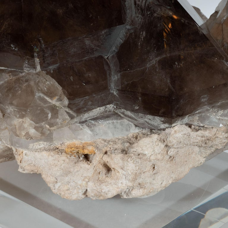 Organic Modernist Smokey Gray Scale Quartz Rock Specimen on Clear Lucite Base For Sale 2