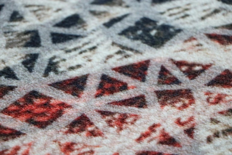 Organic Shape Squared Rug High Performance Fibers by Deanna Comellini 190x200 cm In New Condition For Sale In Bologna, IT
