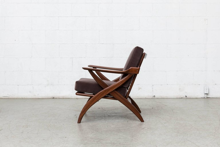 Mid-Century Modern Organically Carved Low Back Teak Lounge Chair For Sale