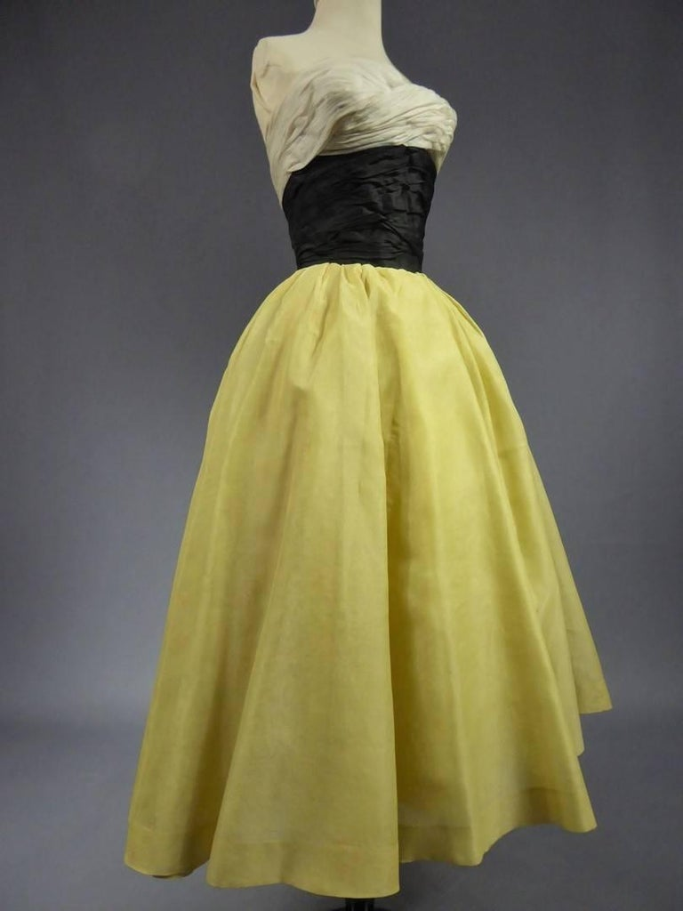 Organza Haute Couture evening dress France, Circa 1955 For Sale 1