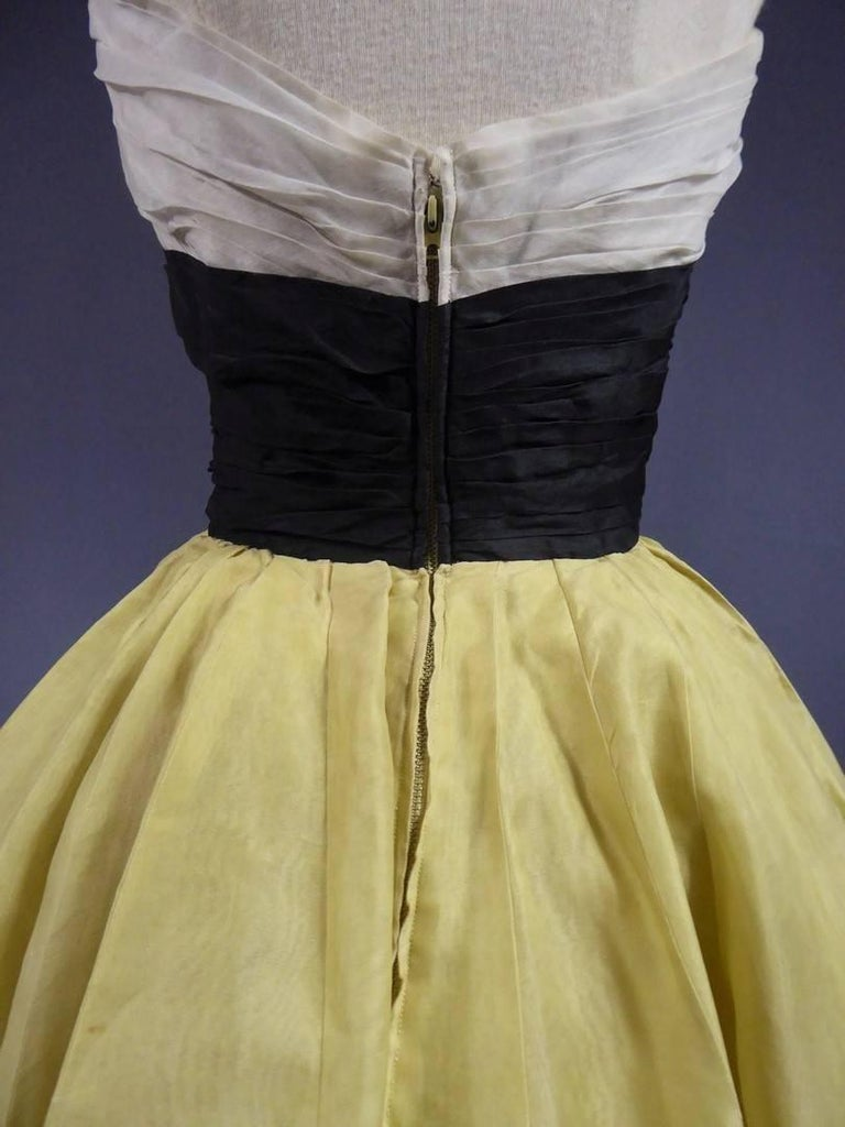 Organza Haute Couture evening dress France, Circa 1955 For Sale 3
