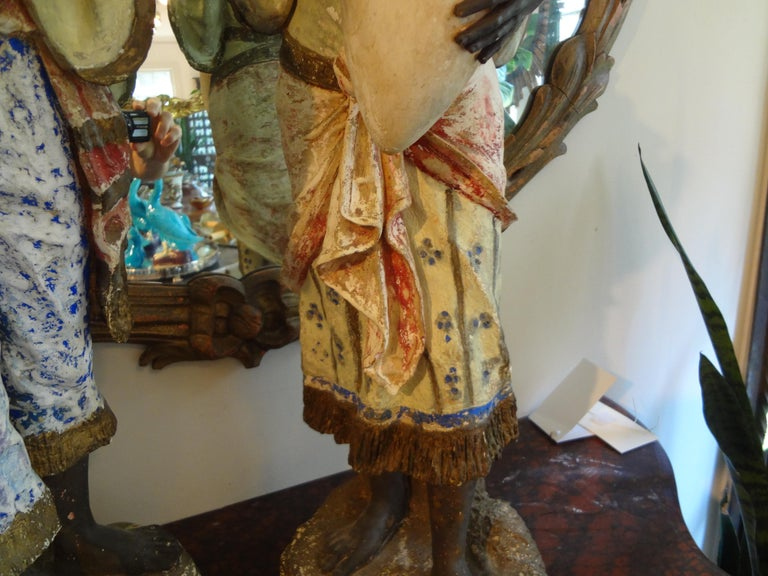 Orientalist Pair of Polychromed Plaster Arabesque Figures For Sale 3