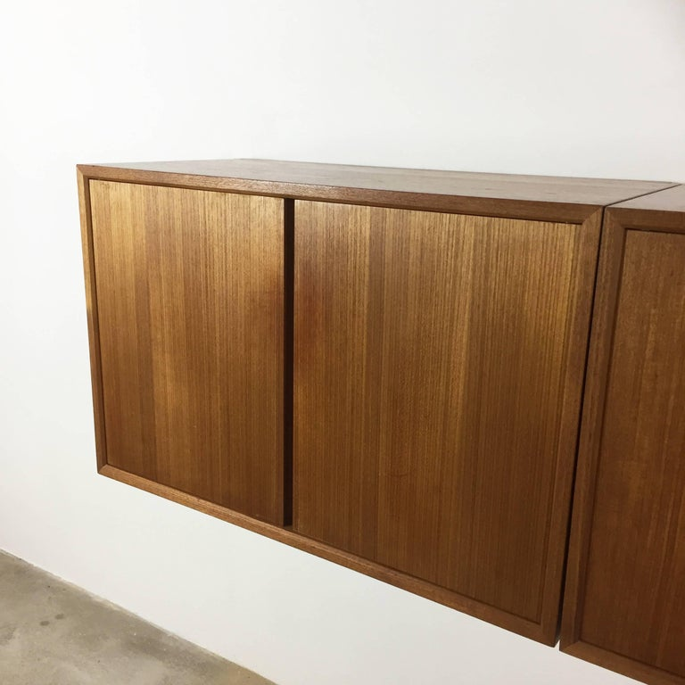 Original 1960s Floating Modular Teak Wall Unit by Poul Cadovius for Cado Denmark For Sale 4