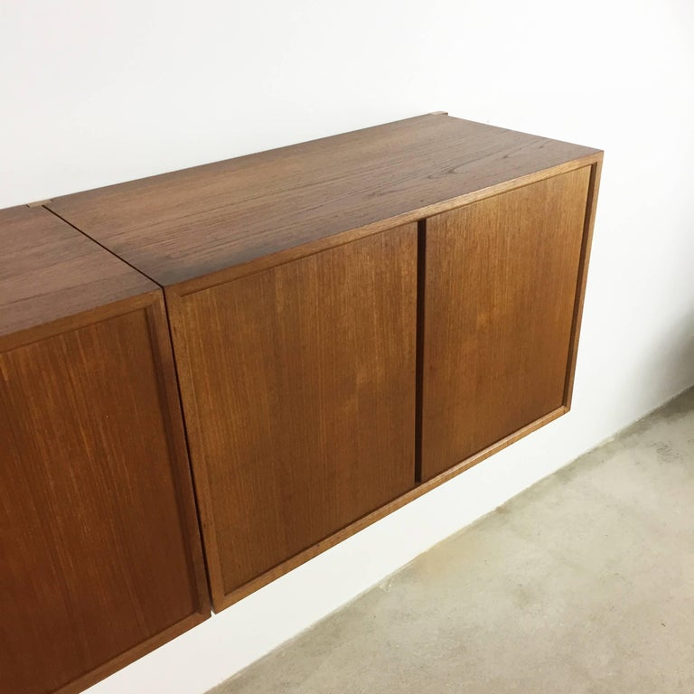 Original 1960s Floating Modular Teak Wall Unit by Poul Cadovius for Cado Denmark For Sale 5